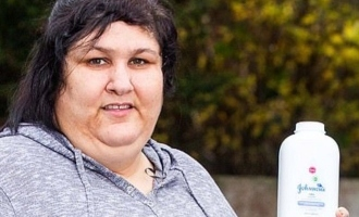 Pica Syndrome: Woman eats Johnson's Baby Talcum Powder every day!